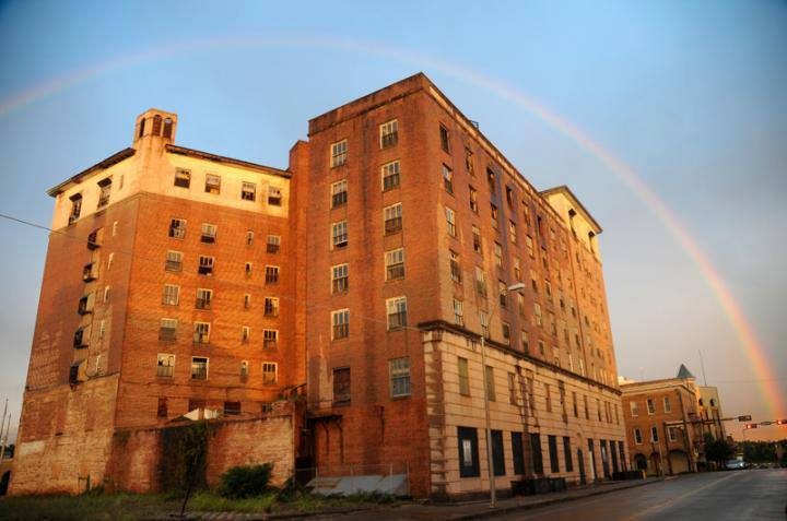 Hotel Grim with rainbow
